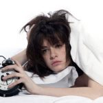 寝不足は髪の毛に悪いんです!髪のために良い睡眠の取り方は?