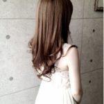 そんなに美人でもないのにモテる女の子・・秘訣は美髪?