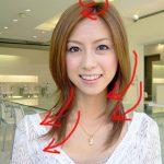 髪の毛のハネは日本人の半数が悩む課題だった。