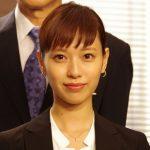 戸田恵梨香さんもオン眉。子供っぽくならない?大人なオン眉教えます。