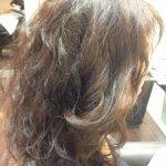 くせっ毛・癖毛で悩んでいる人も多いみたいです。どんな風にヘアケアしたらいいんでしょう?